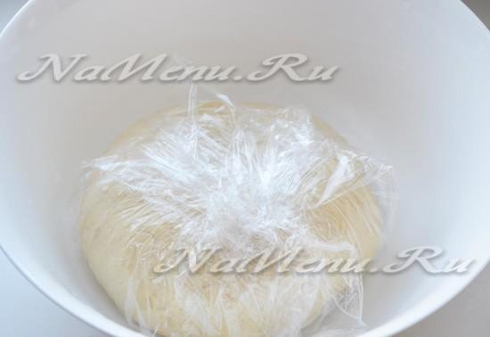 Упакуем тесто в пленку