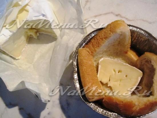 Укладываем хлеб в формочку