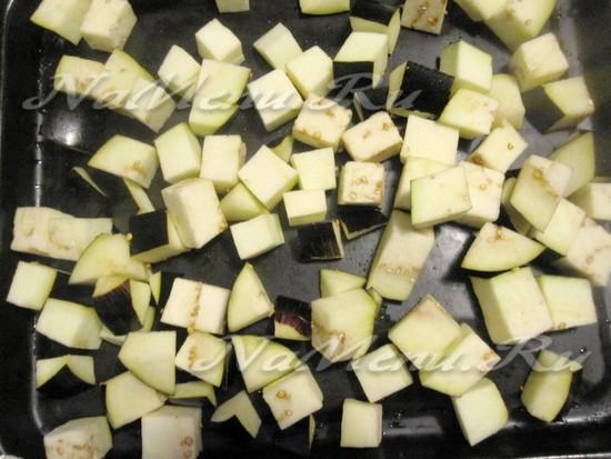 порезать баклажаны кубиками
