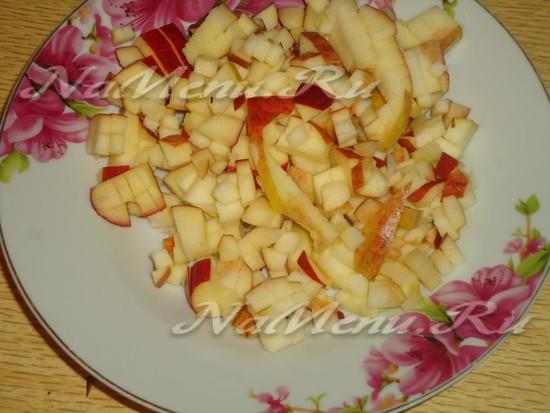 яблоко неглубоко порезать