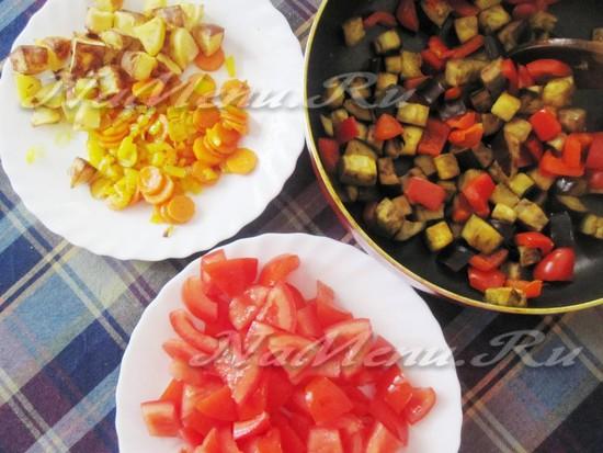 в горшочек вместить фрукты пластами