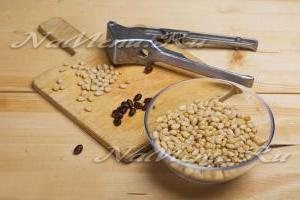 Как очистить кедровые орехи от скорлупы в домашних условиях
