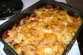 Рецепт мяса по-французски с картошкой и помидорами в духовке рецепт с фото