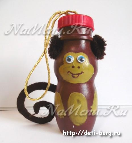 Поделка обезьяны из бутылок