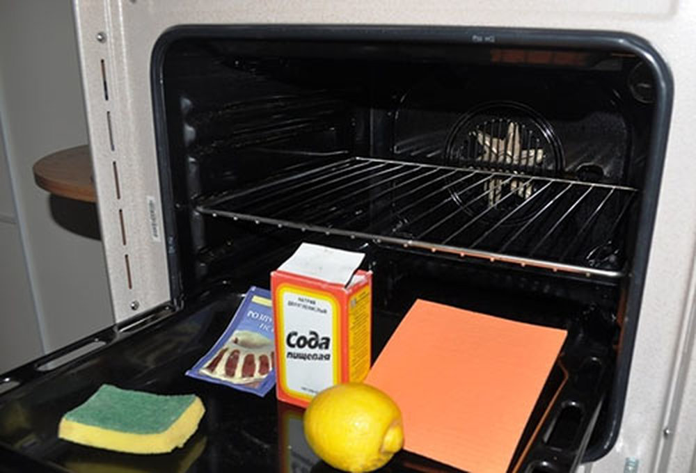 Как убрать жир с духовки в домашних условиях