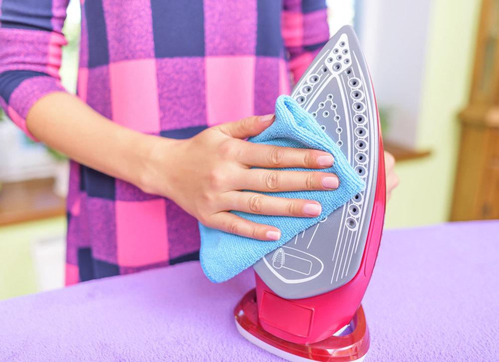 Очистить тефлоновый утюг от нагара в домашних условиях 979