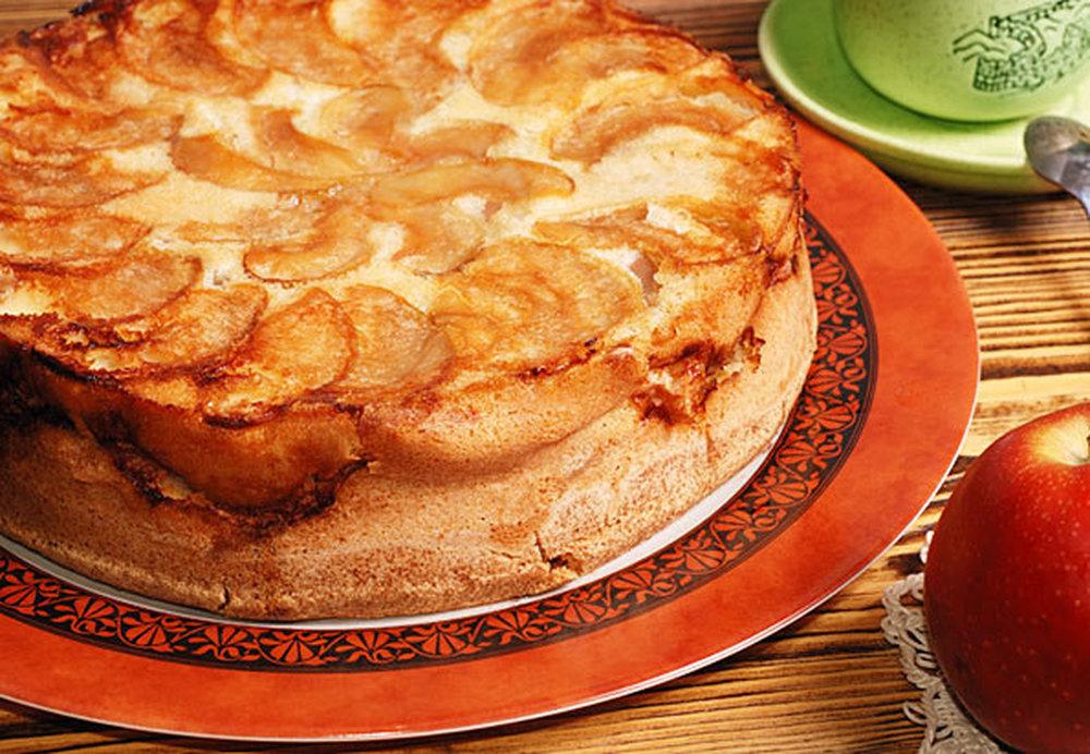 Шарлотка яблочная рецепт с фото пошагово
