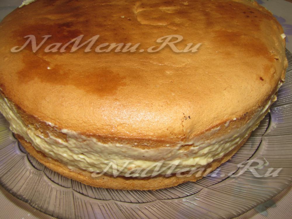 Торт сметанный из готовых бисквитных коржей рецепт 147