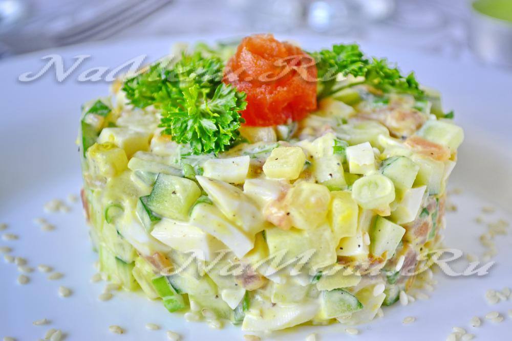 Салаты с соленой семгой рецепты с