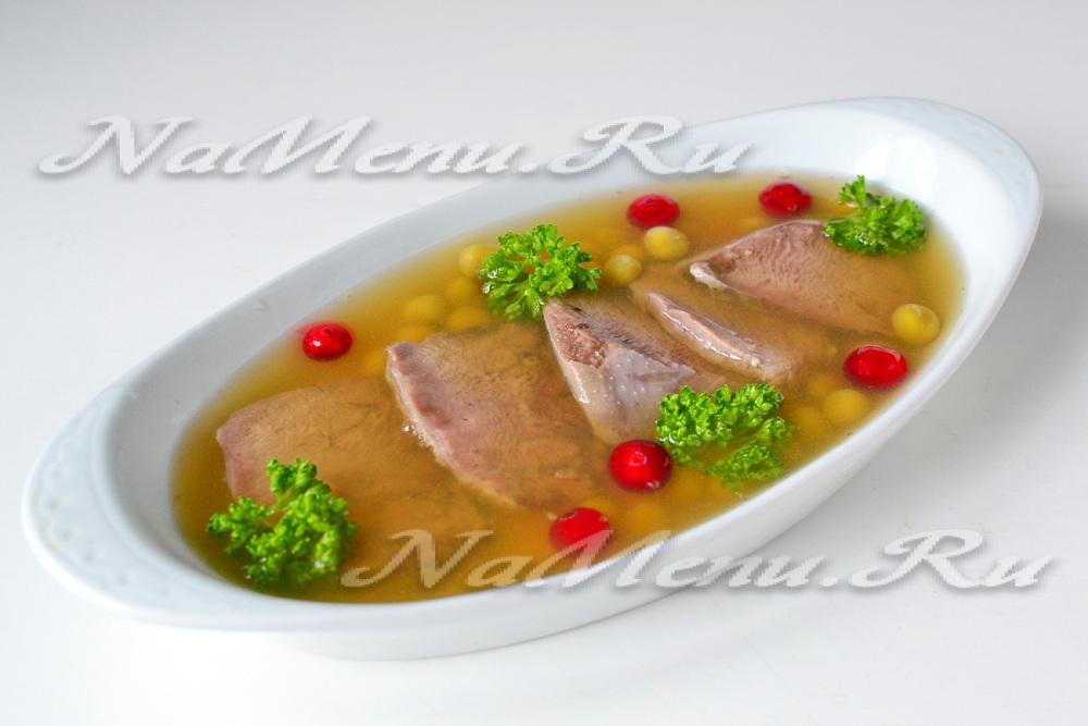 Заливное из языка свиного в мультиварке рецепт с фото