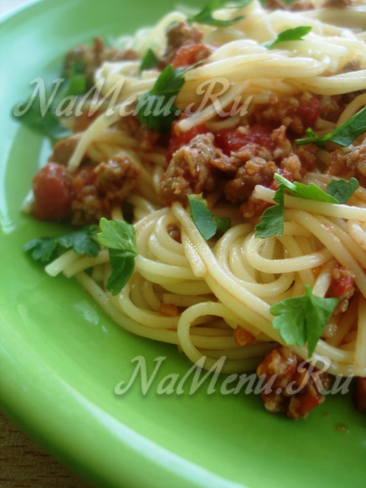 Макароны с фаршем в томатном соусе рецепт пошагово