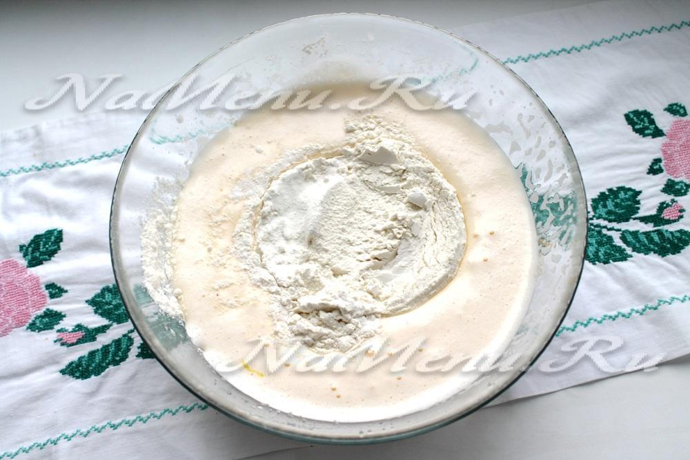 Бисквит с изюмом простой рецепт с пошагово