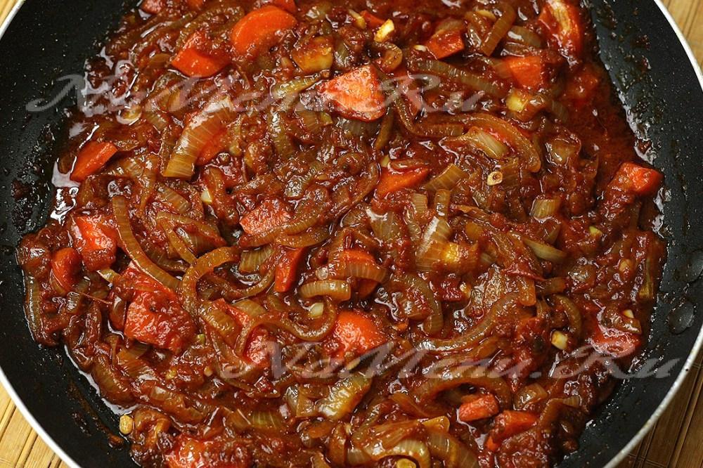 Гуляш из вареной говядины с подливкой рецепт пошагово