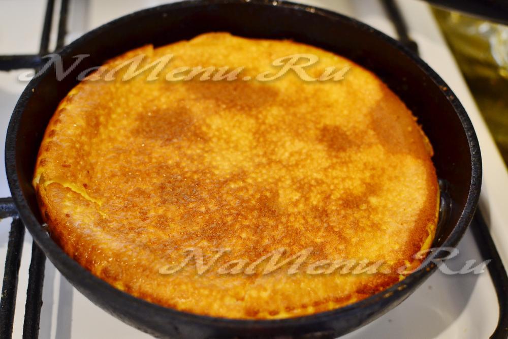Рецепт пышного омлета на сковороде пошаговый