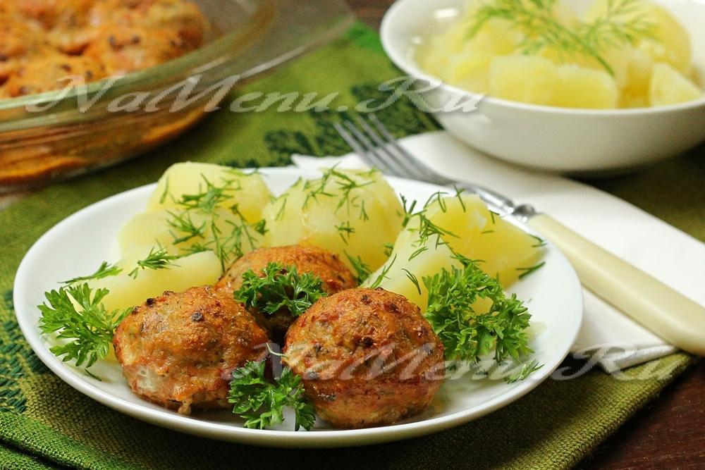Соус с тефтелями и картошкой