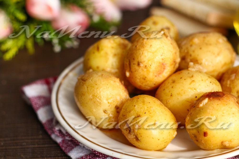 Рецепт молодой картошки в духовке с кожурой
