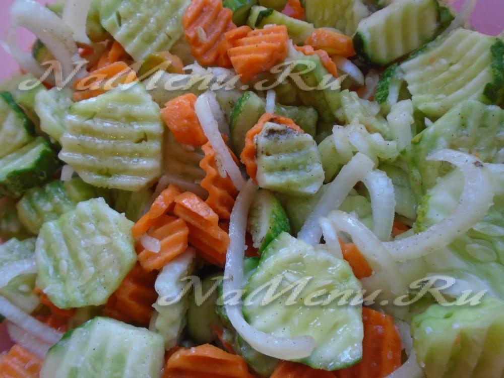 Салат из огурцов и моркови на зиму рецепты с