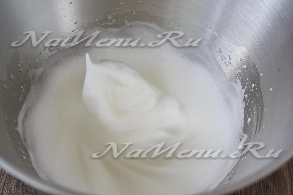 видео белковый крем для торта в домашних условиях пошаговый рецепт с фото