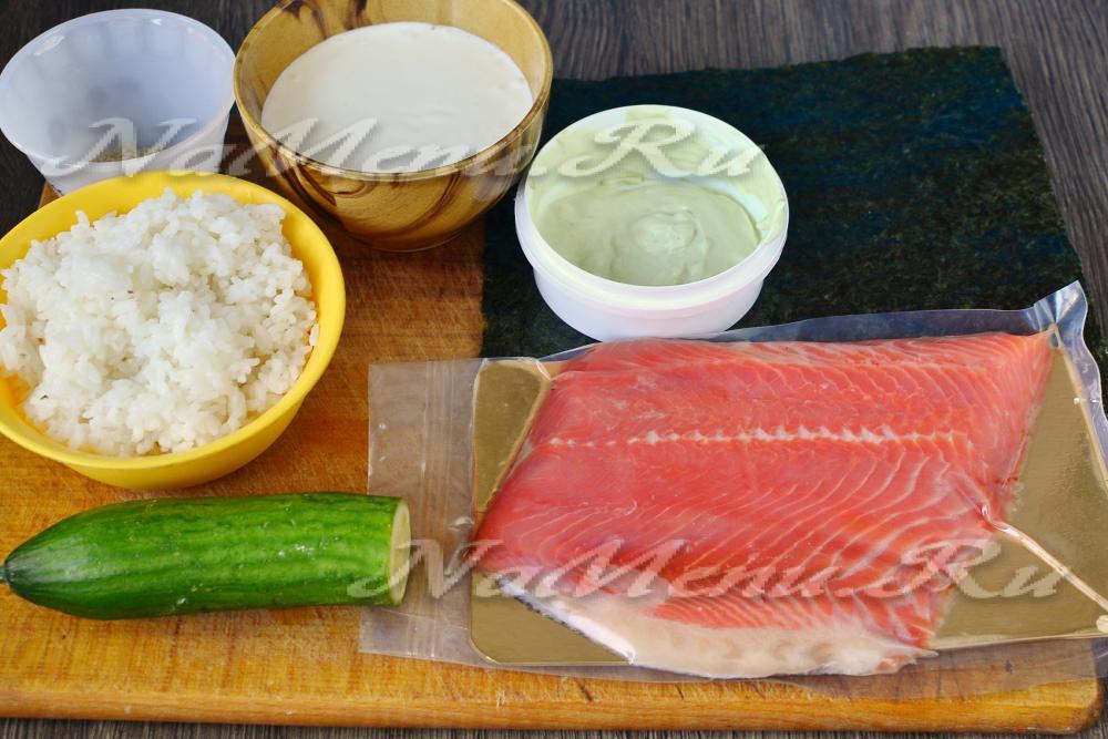 рецепт салата красная рыба огурец