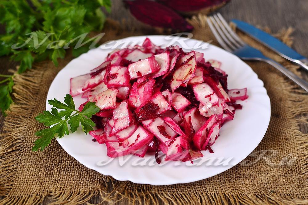 Салат рецепт с курицей черносливом сыром и орехами