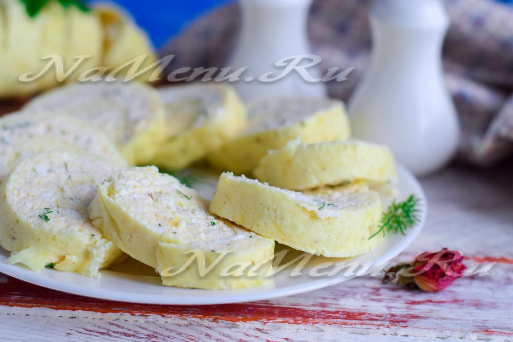 Яичный рулет с сыром рецепт с фото