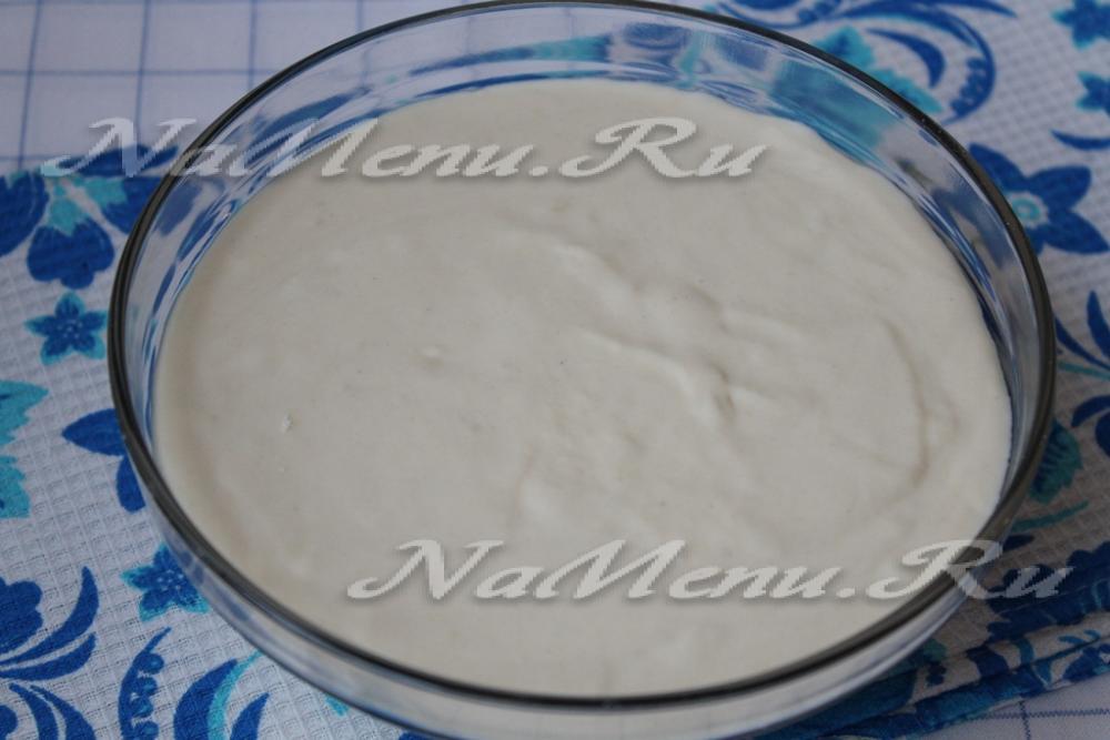 жидкое тесто для пирога на майонезе и сметане с капустой