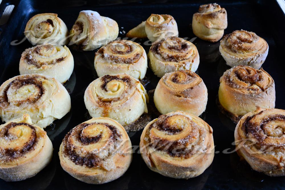 Как сделать из теста булочки с сахаром