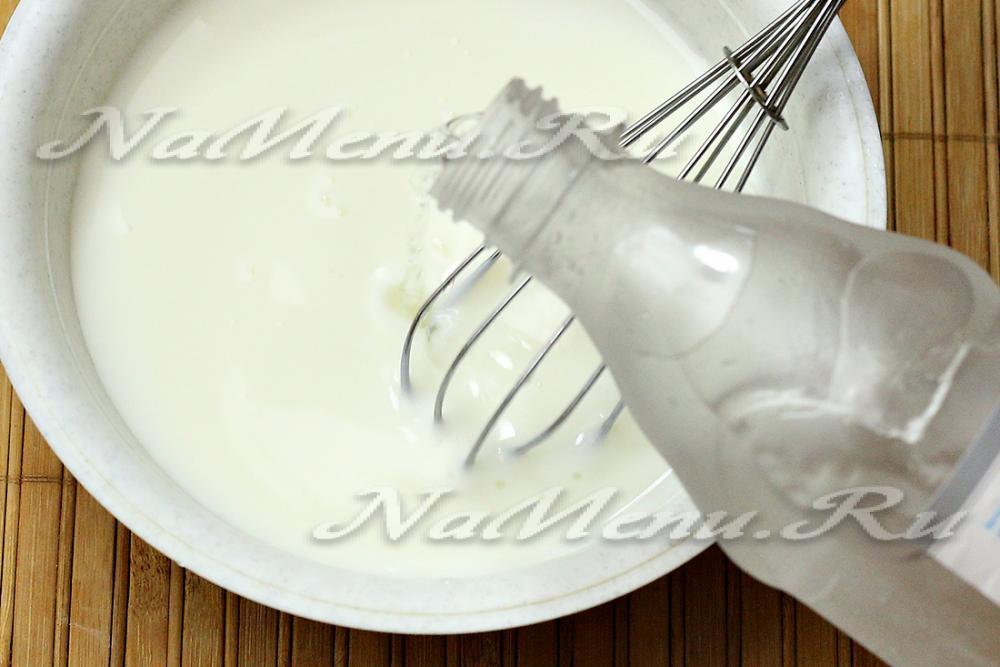 Приготовить окрошку на воде и майонезе с