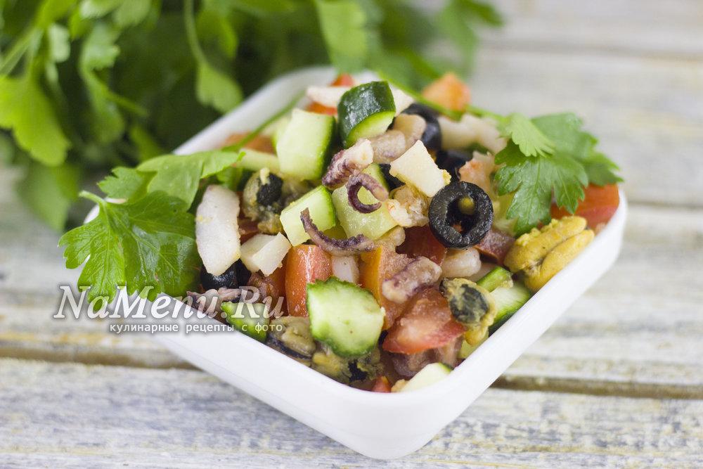 салат из маринованного морского коктейля рецепт с фото очень вкусный
