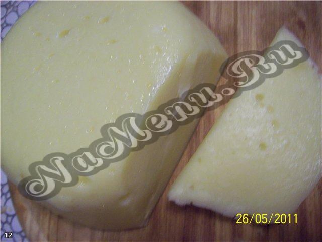 Как сделать сыр из прокисшего молока