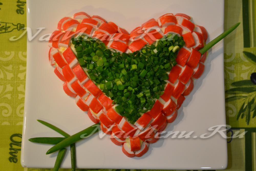 Салаты в виде сердец с