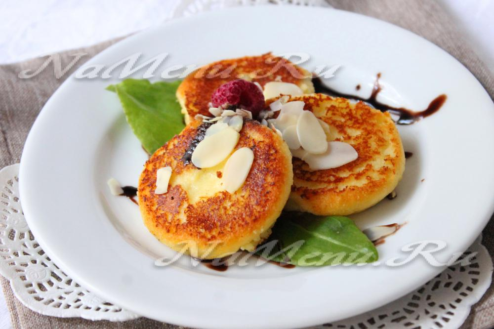 рецепт вкусных сырников в духовке с манкой рецепт
