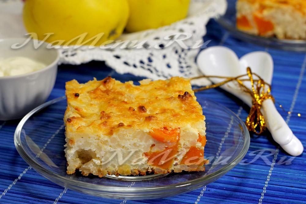 Салат крабовые с помидорами