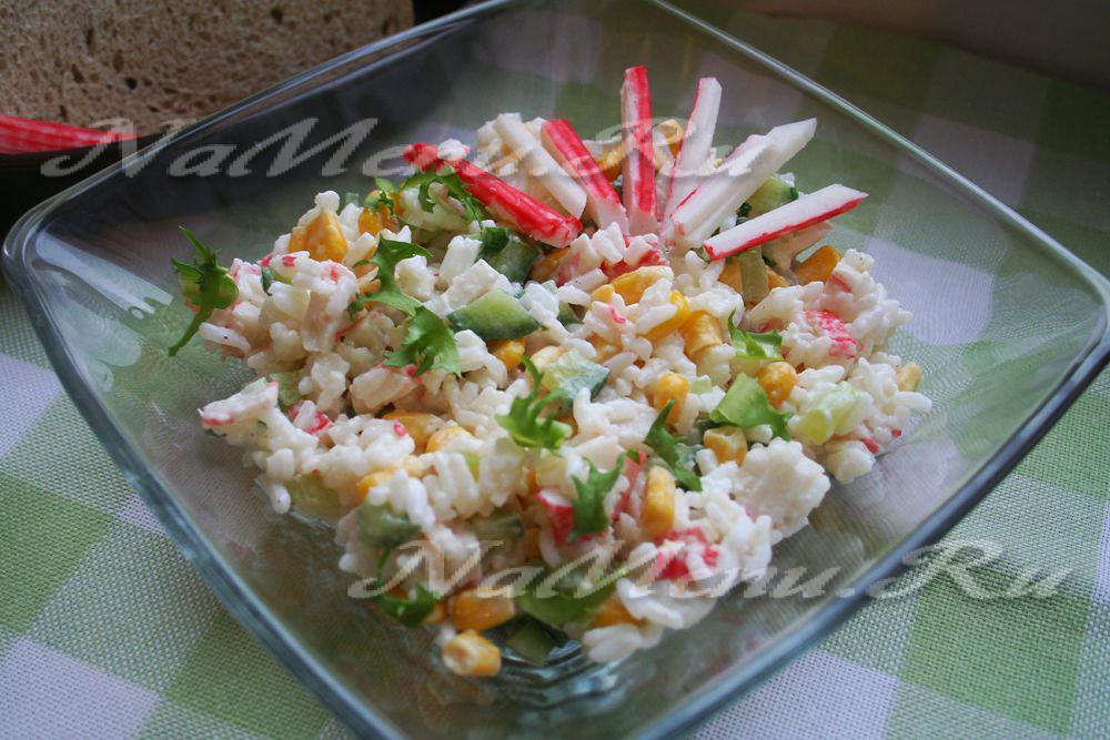 Салат крабовые палочки кукуруза помидоры огурцы