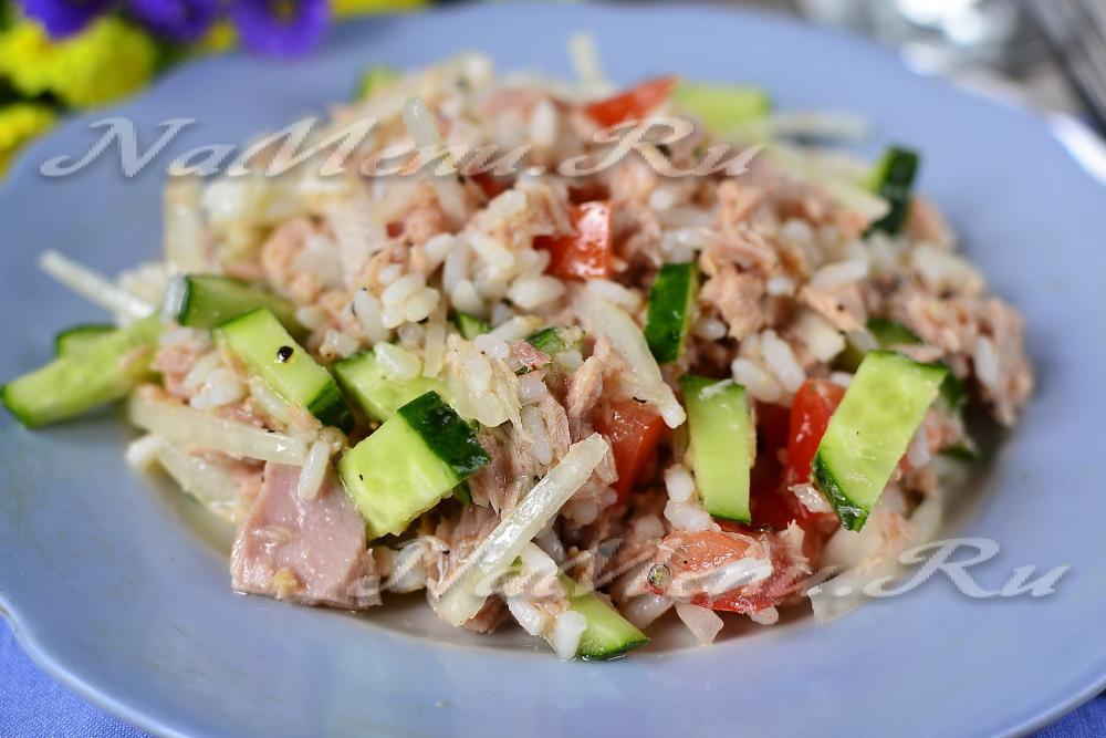 Салат из тунца консервированного с сыром рецепт