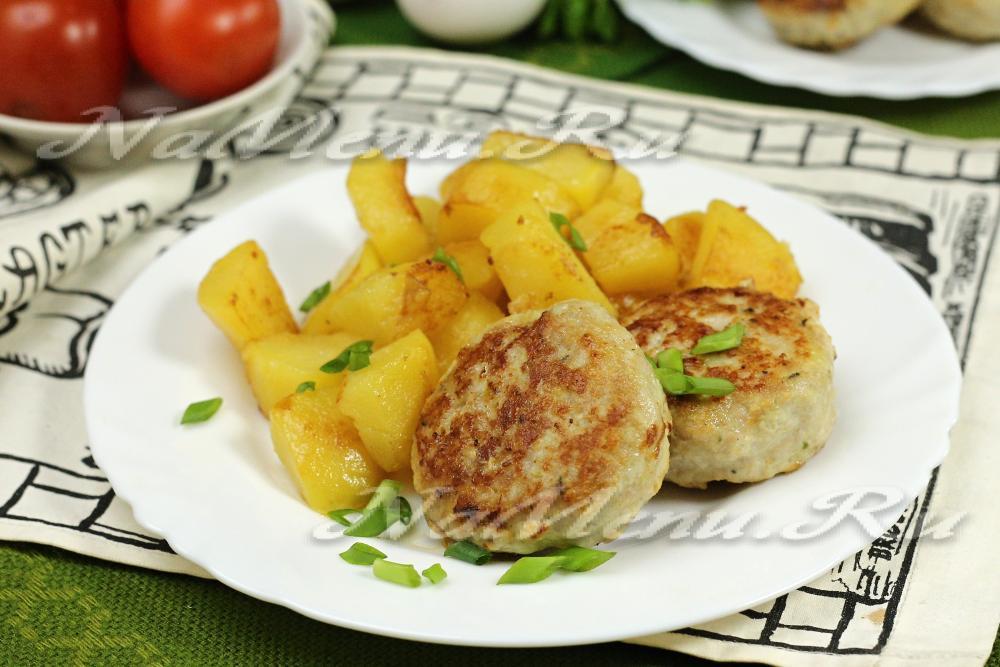 Зразы мясные с яйцом и сыром в духовке с фото