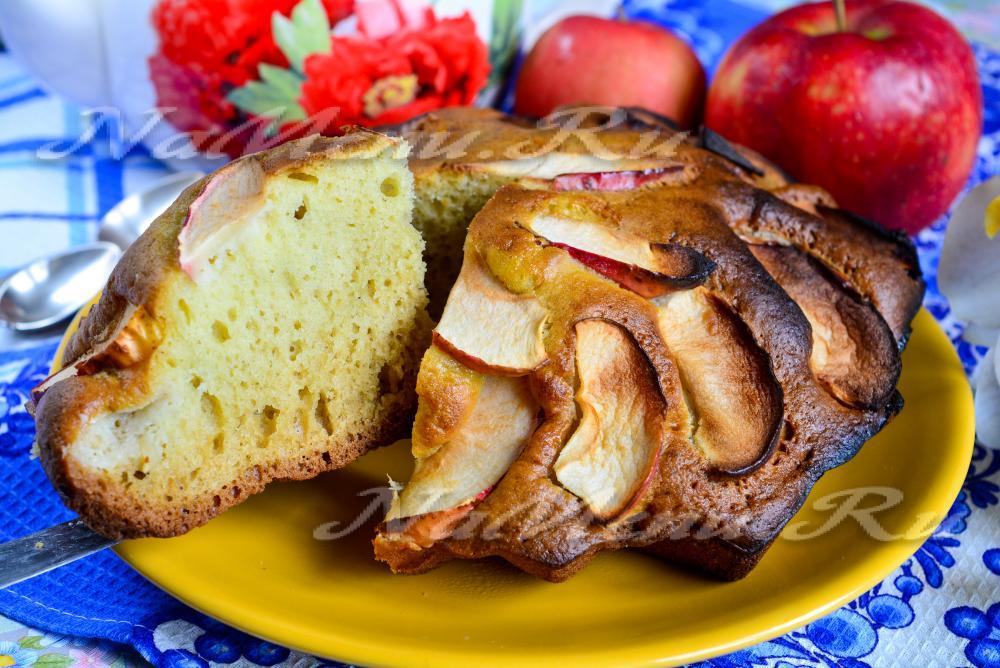 Нежная шарлотка с яблоками рецепт с фото