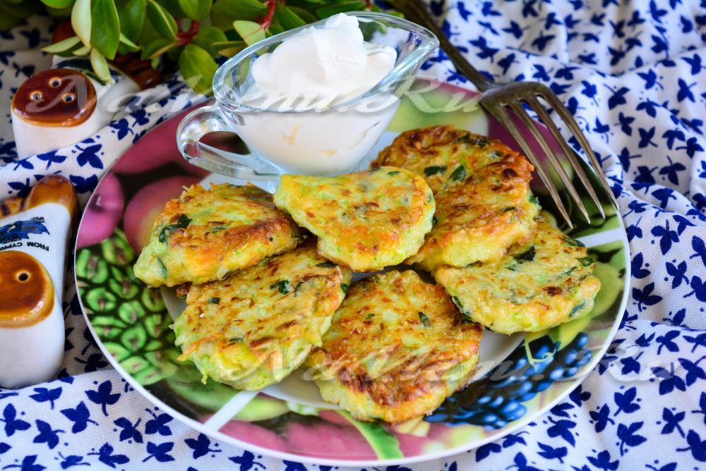 оладьи из кабачков с сыром и чесноком рецепт с фото