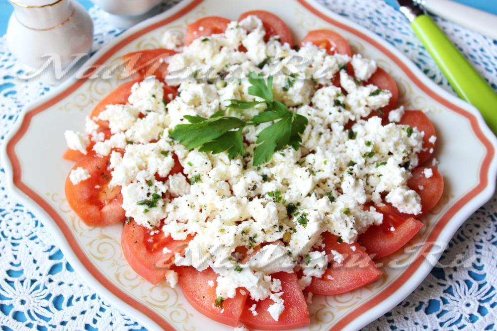 Салаты на скорую руку с помидорами