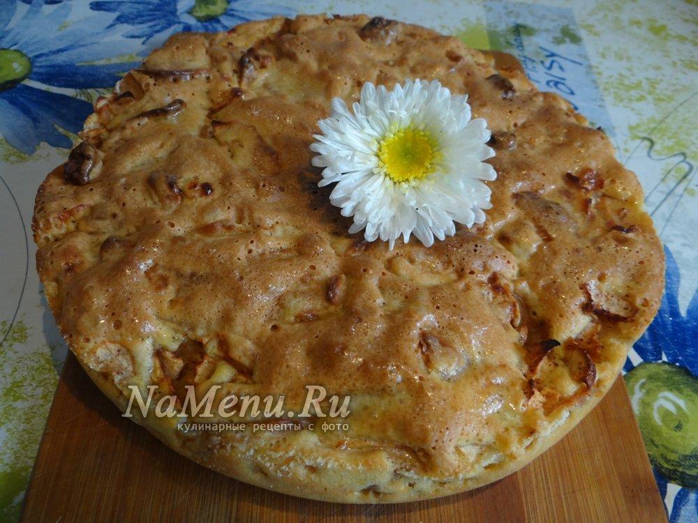 Шарлотка с яблоками рецепт с пошагово в духовке с манкой рецепт