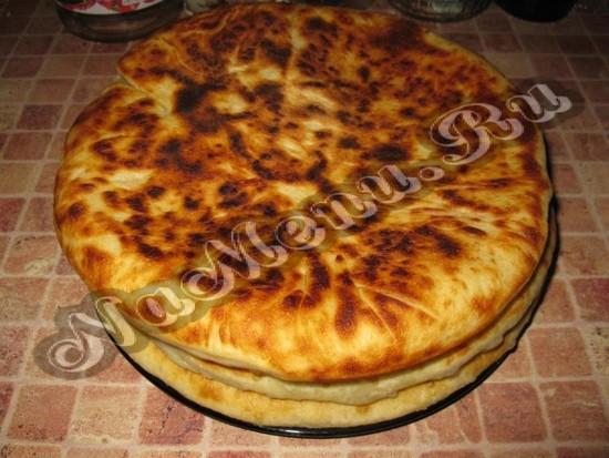 Готовый осетинский пирог с сыром