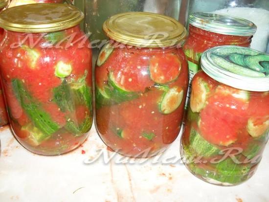 огурцы в томатной заливке на зиму рецепты с чесноком