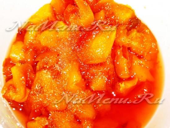 Персики в сахарном сиропе