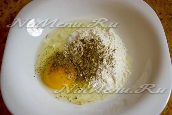 Как сделать кляр из муки молока и яиц