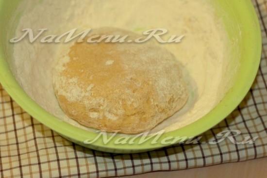 Замесите песочное тесто
