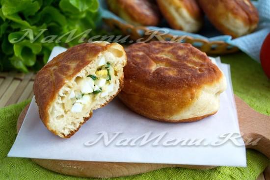 Пирожки с луком и яйцом жареные рецепт с пошагово