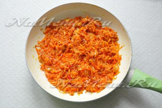 Добавить томатный соус