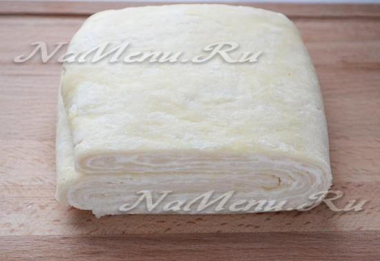 Слоеное дрожжевое тесто в разрезе