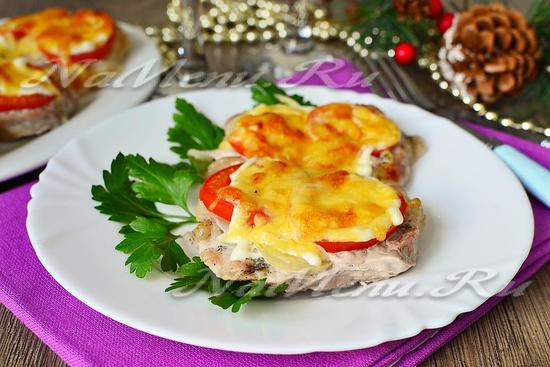 Мясо по-французски в духовке, рецепт с фото из свинины с помидорами