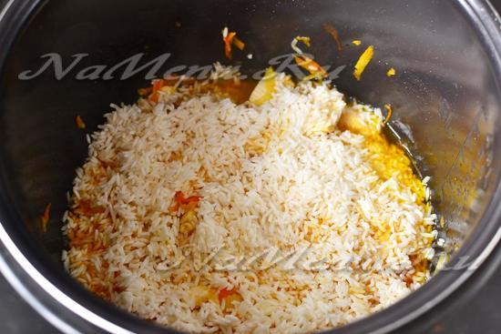 засыпаем процеженный рис
